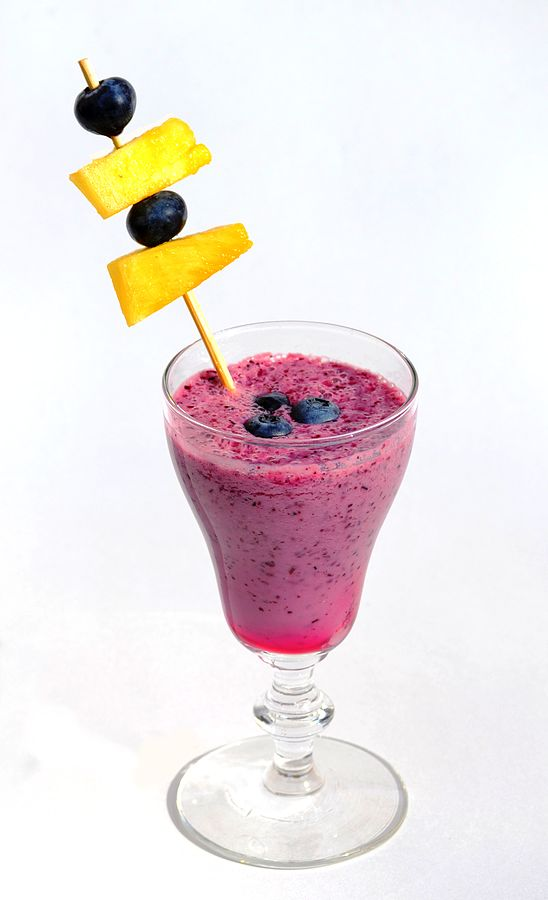 548px-Blueberry_smoothie